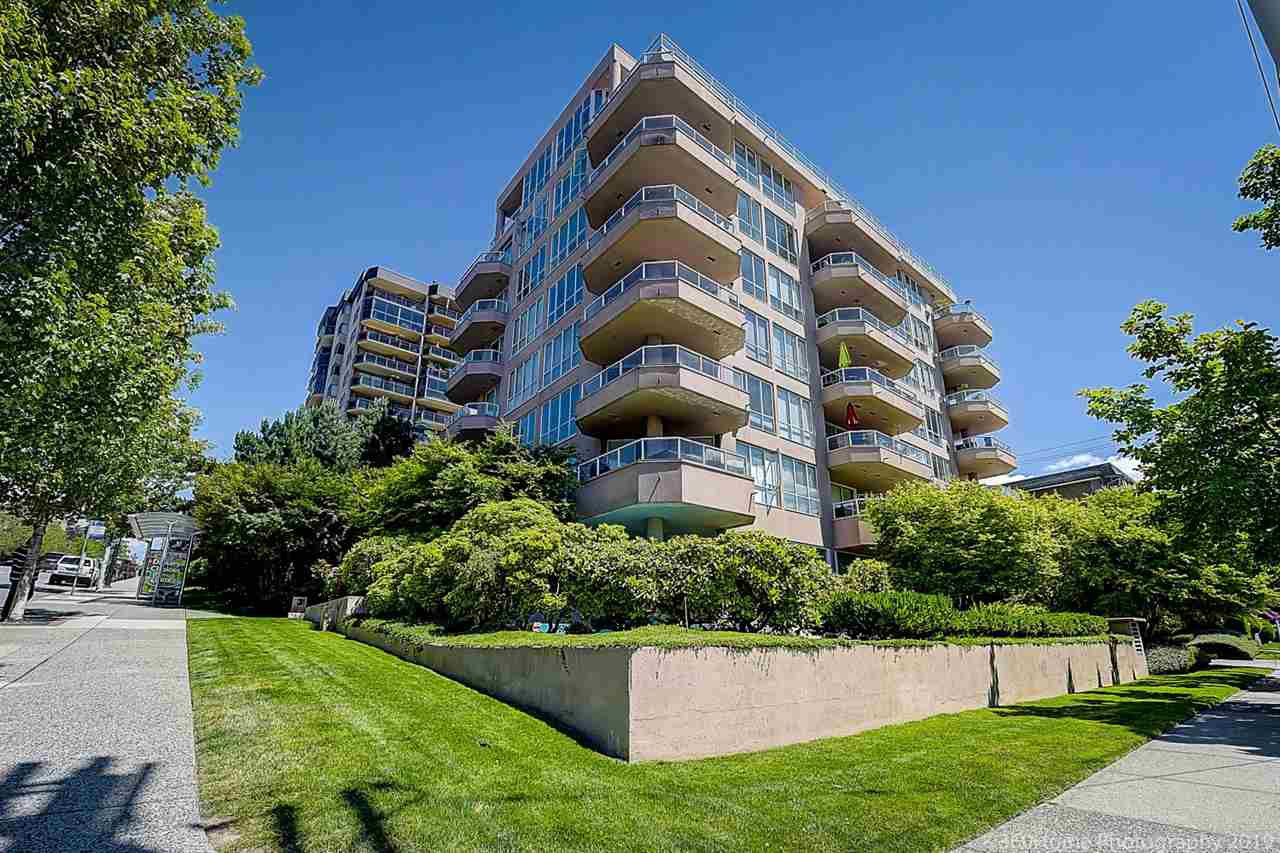 """Main Photo: 303 408 LONSDALE Avenue in North Vancouver: Lower Lonsdale Condo for sale in """"THE MONACO"""" : MLS®# R2404464"""
