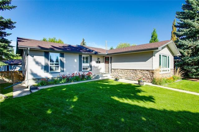 Main Photo: 147 PARKLAND Place SE in Calgary: Parkland Detached for sale : MLS®# C4302261