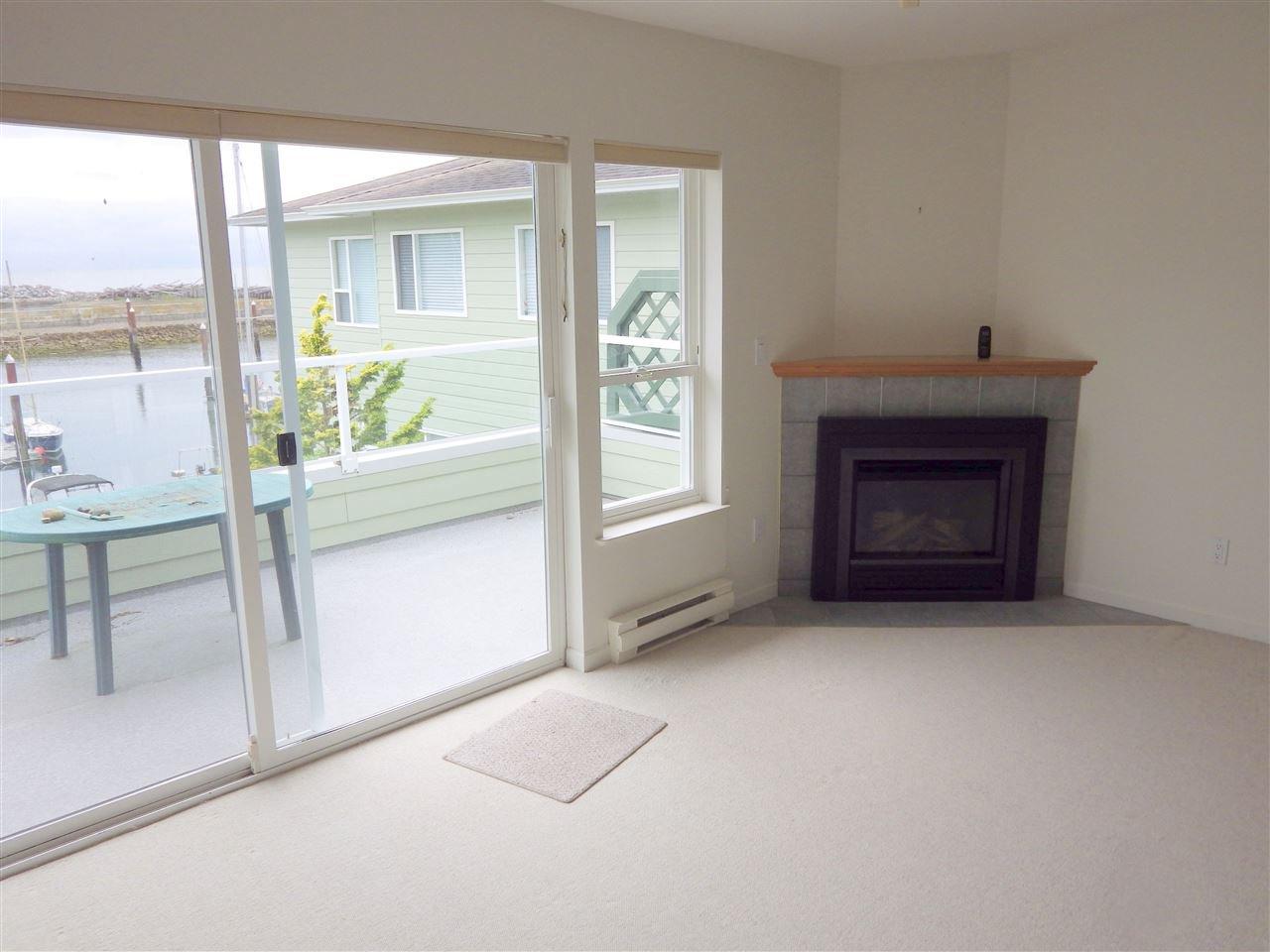 Photo 3: Photos: 207 1585 FIELD Road in Sechelt: Sechelt District Condo for sale (Sunshine Coast)  : MLS®# R2471792