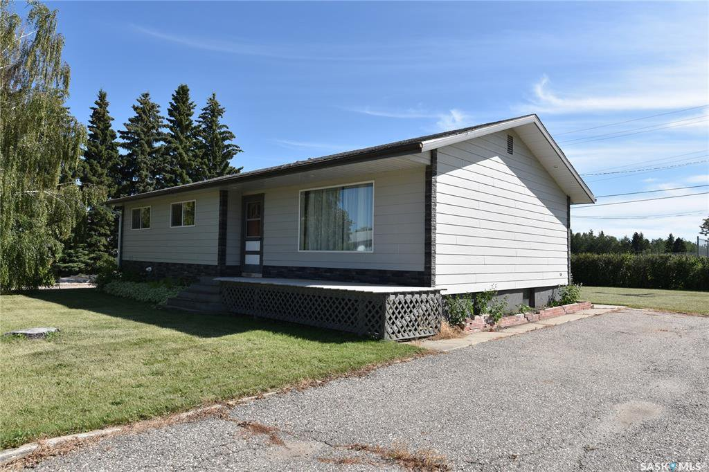 Main Photo: 708 10th Avenue West in Nipawin: Residential for sale : MLS®# SK822289