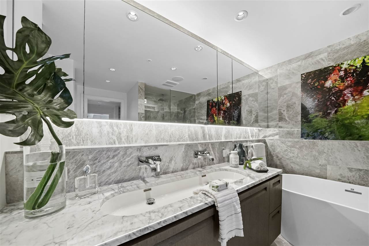 """Photo 17: Photos: PH510 2102 W 48TH Avenue in Vancouver: Kerrisdale Condo for sale in """"The Sterling"""" (Vancouver West)  : MLS®# R2513538"""