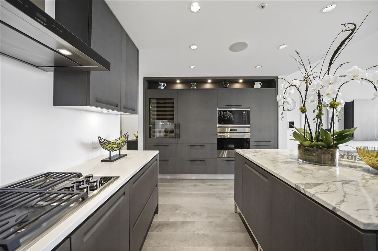 """Photo 5: Photos: PH510 2102 W 48TH Avenue in Vancouver: Kerrisdale Condo for sale in """"The Sterling"""" (Vancouver West)  : MLS®# R2513538"""