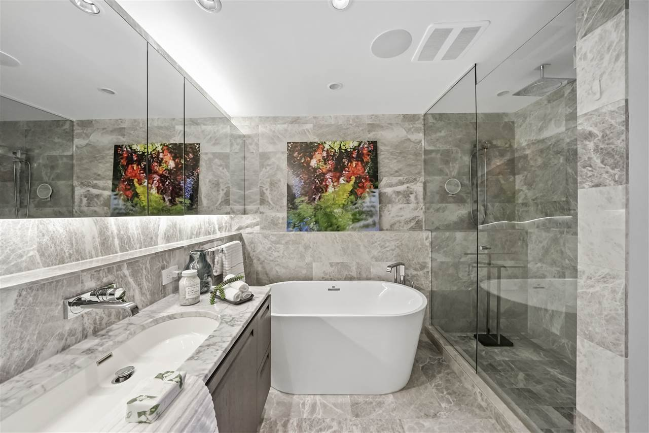 """Photo 19: Photos: PH510 2102 W 48TH Avenue in Vancouver: Kerrisdale Condo for sale in """"The Sterling"""" (Vancouver West)  : MLS®# R2513538"""