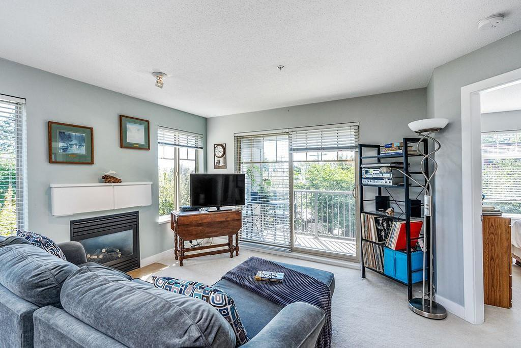 "Main Photo: 302 12020 207A Street in Maple Ridge: Northwest Maple Ridge Condo for sale in ""WESTBROOKE"" : MLS®# R2525761"