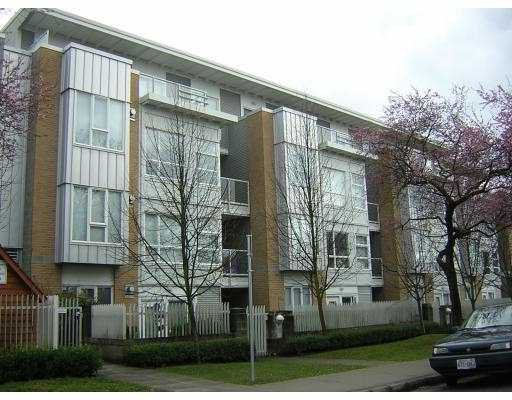"""Main Photo: 211 6198 ASH ST in Vancouver: Oakridge VW Condo for sale in """"THE GROVE"""" (Vancouver West)  : MLS®# V605677"""