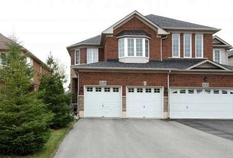 Main Photo: 2128 Redstone Crescent in Oakville: West Oak Trails House (2-Storey) for lease : MLS®# W4894783