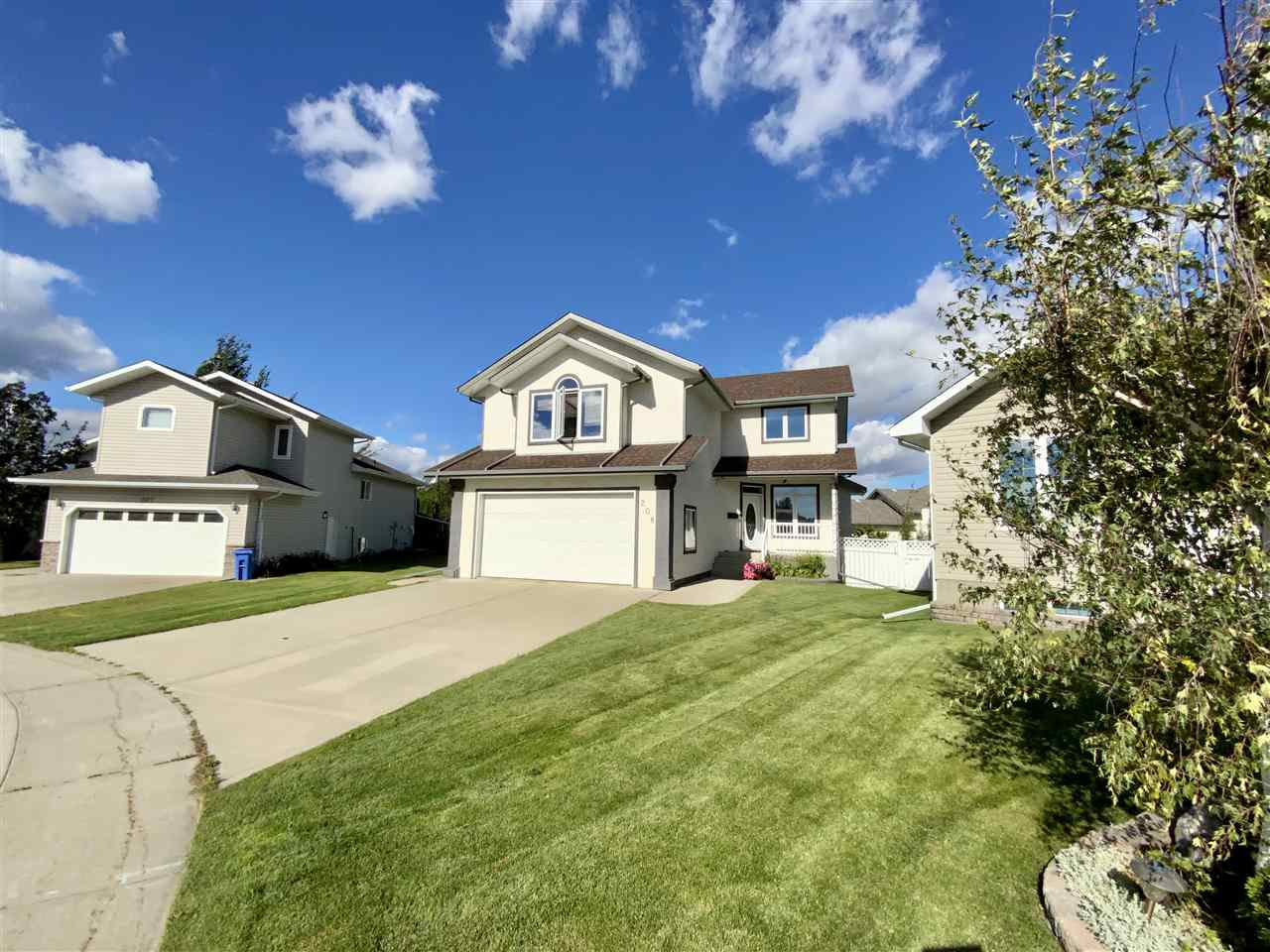 Main Photo: 208 Parkglen Close: Wetaskiwin House for sale : MLS®# E4212819