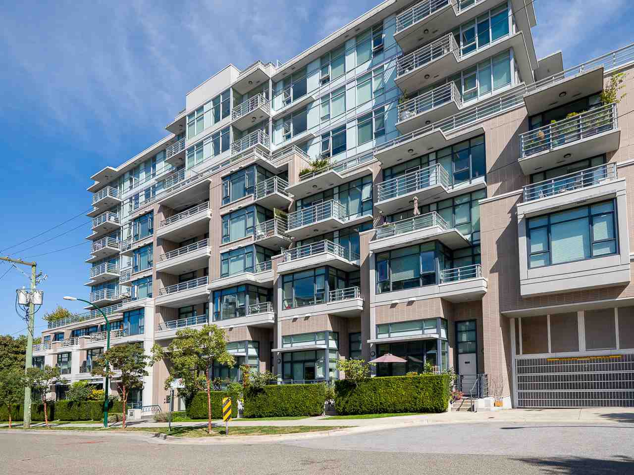 "Main Photo: 302 2788 PRINCE EDWARD Street in Vancouver: Mount Pleasant VE Condo for sale in ""Uptown"" (Vancouver East)  : MLS®# R2401533"