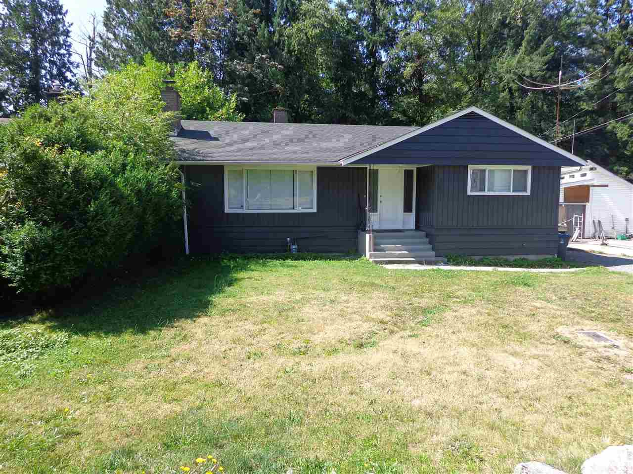 Photo 2: Photos: 10025 PARK Drive in Surrey: Cedar Hills House for sale (North Surrey)  : MLS®# R2394711