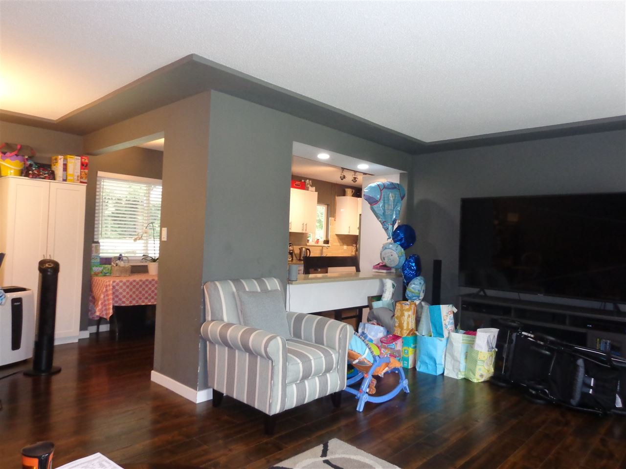 Photo 6: Photos: 10025 PARK Drive in Surrey: Cedar Hills House for sale (North Surrey)  : MLS®# R2394711