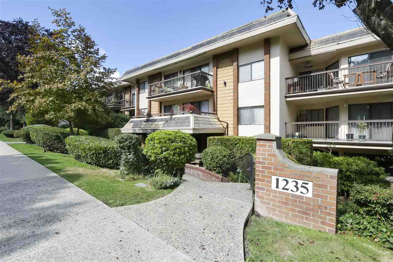 "Main Photo: 215 1235 W 15TH Avenue in Vancouver: Fairview VW Condo for sale in ""THE SHAUGHNESSY"" (Vancouver West)  : MLS®# R2404476"