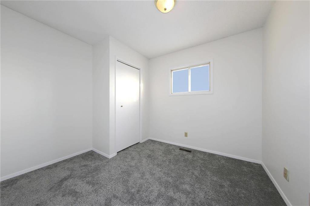Photo 10: Photos: 898 Greencrest Avenue in Winnipeg: Fort Richmond Residential for sale (1K)  : MLS®# 1930120