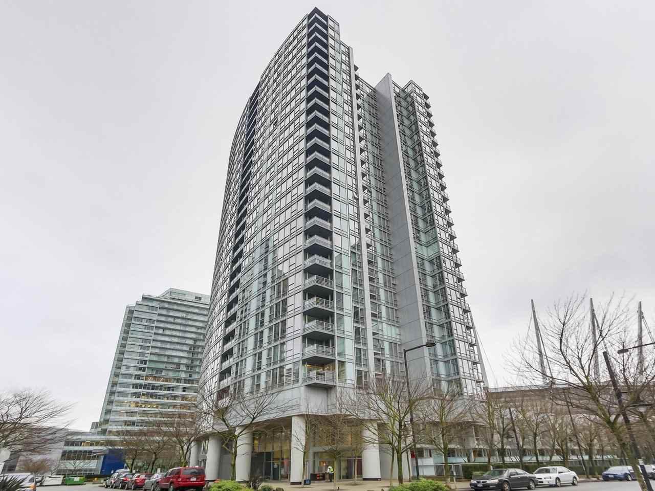 Main Photo: 1608 668 Citadel Parade in Vancouver: Condo for sale : MLS®# R2327294