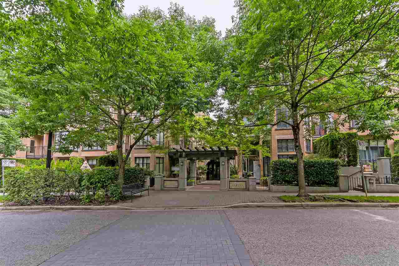 "Main Photo: 311 2175 SALAL Drive in Vancouver: Kitsilano Condo for sale in ""SAVONA"" (Vancouver West)  : MLS®# R2394725"