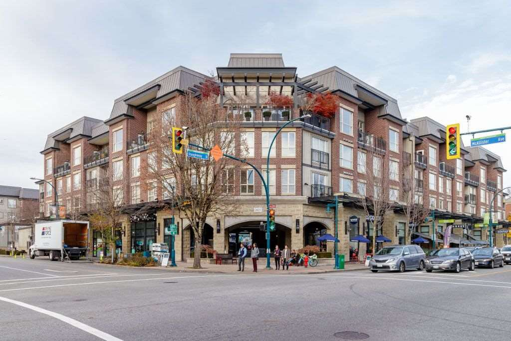 """Main Photo: 303 2627 SHAUGHNESSY Street in Port Coquitlam: Central Pt Coquitlam Condo for sale in """"VILLAGIO"""" : MLS®# R2418737"""