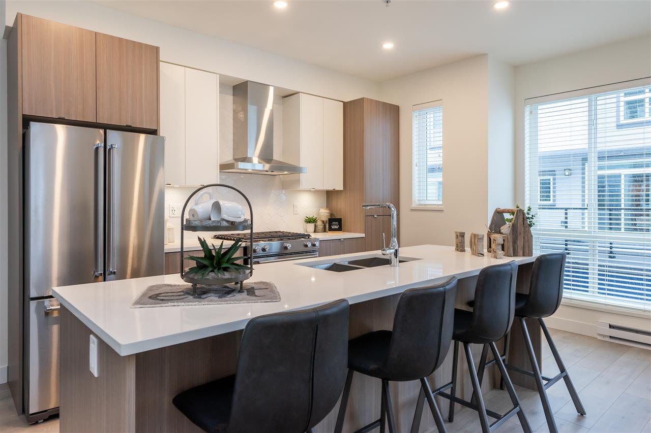 """Photo 5: Photos: 111 7947 209 Street in Langley: Willoughby Heights Townhouse for sale in """"luxia"""" : MLS®# R2444913"""