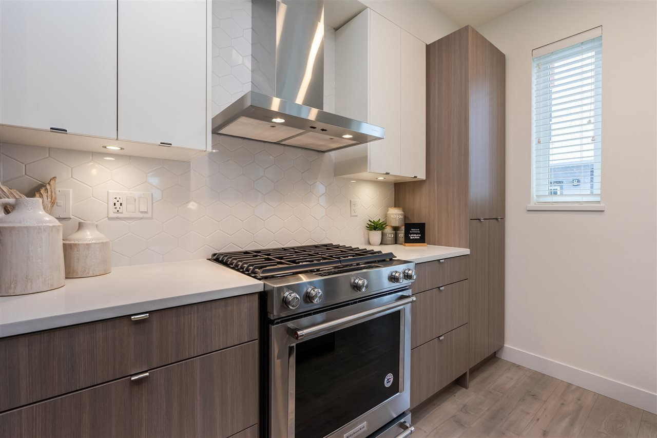 """Photo 7: Photos: 111 7947 209 Street in Langley: Willoughby Heights Townhouse for sale in """"luxia"""" : MLS®# R2444913"""
