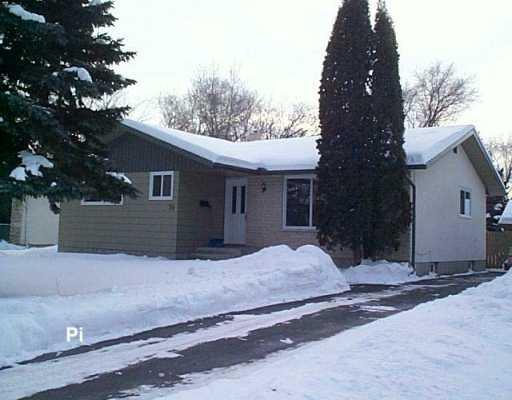 Main Photo: 74 TEMPLE Bay in Winnipeg: Fort Garry / Whyte Ridge / St Norbert Single Family Detached for sale (South Winnipeg)  : MLS®# 2700510