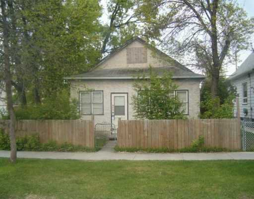 Main Photo: 902 MANITOBA Avenue in WINNIPEG: North End Single Family Detached for sale (North West Winnipeg)  : MLS®# 2707847