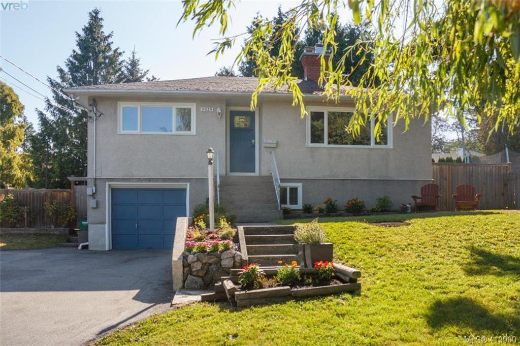 Main Photo: 3929 Braefoot Road in VICTORIA: SE Cedar Hill Single Family Detached for sale (Saanich East)  : MLS®# 413990