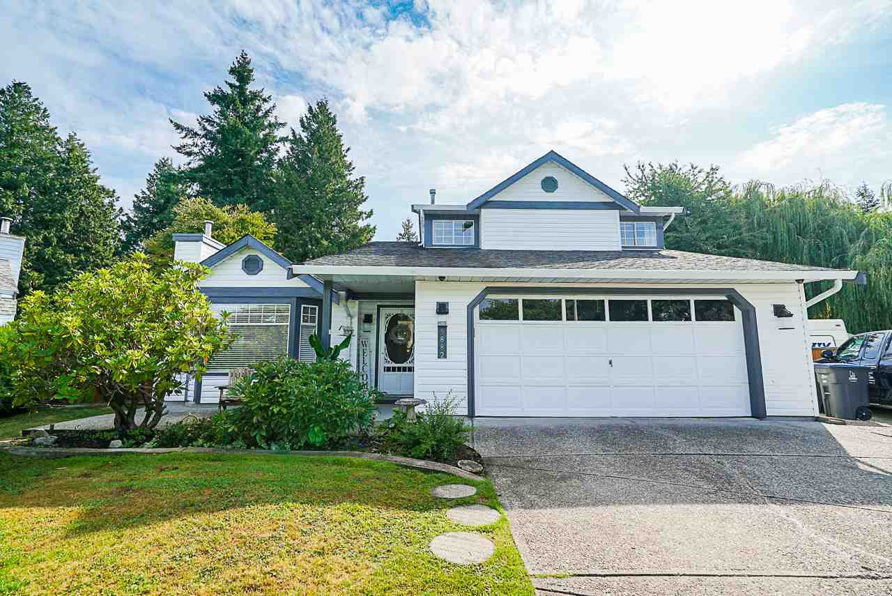 "Main Photo: 5882 169A Street in Surrey: Cloverdale BC House for sale in ""Richardson Ridge, Jersey Hill"" (Cloverdale)  : MLS®# R2397193"