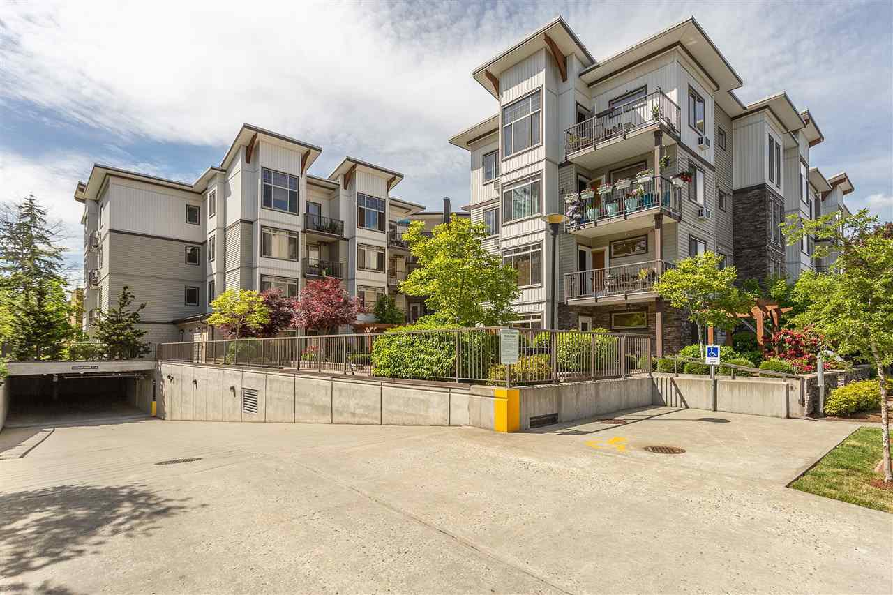 "Main Photo: 202 11887 BURNETT Street in Maple Ridge: East Central Condo for sale in ""Wellington"" : MLS®# R2432127"