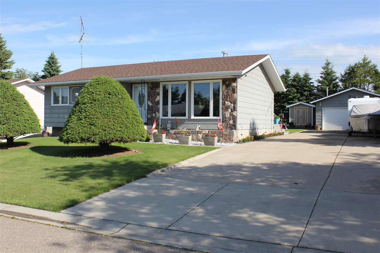 Main Photo: 5110 56 A Avenue: Elk Point House for sale : MLS®# E4205305