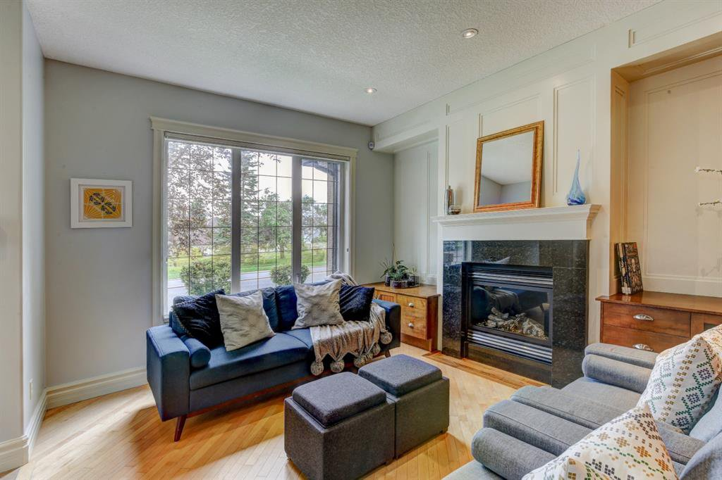 Main Photo: 103 449 20 Avenue NE in Calgary: Winston Heights/Mountview Row/Townhouse for sale : MLS®# A1010445
