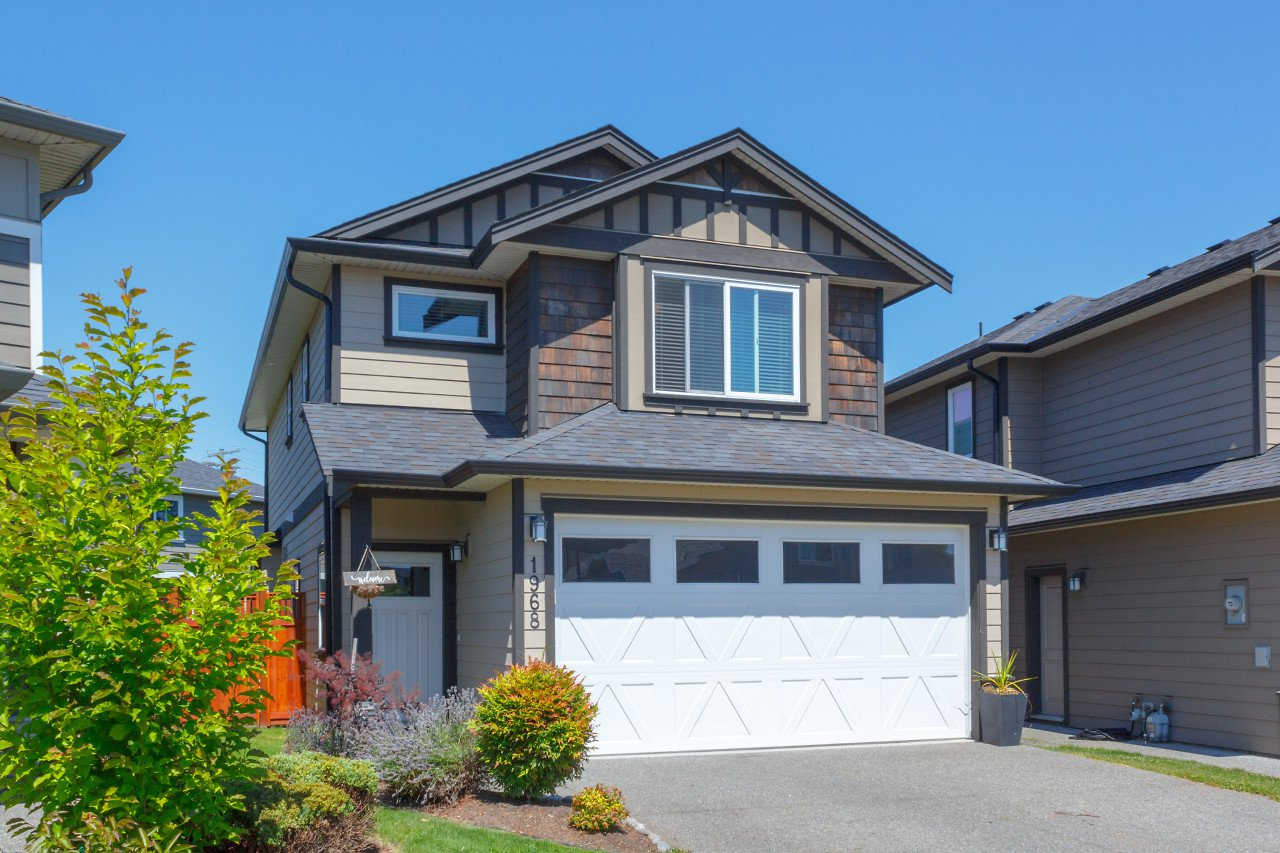 Main Photo: 1968 Brackman Way in : NS Bazan Bay Single Family Detached for sale (North Saanich)  : MLS®# 845552