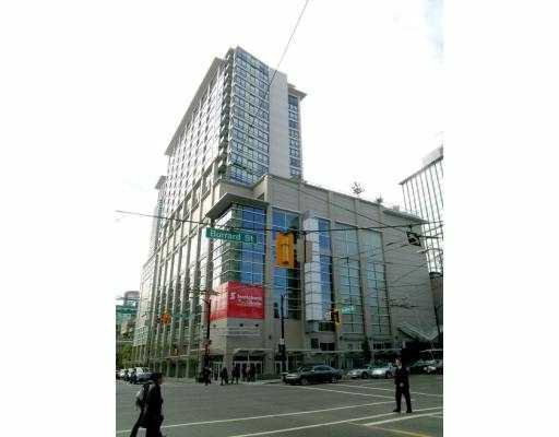 """Main Photo: 2015 938 SMITHE Street in Vancouver: Downtown VW Condo for sale in """"ELECTRIC AVE AT PARAMOUNT"""" (Vancouver West)  : MLS®# V664361"""