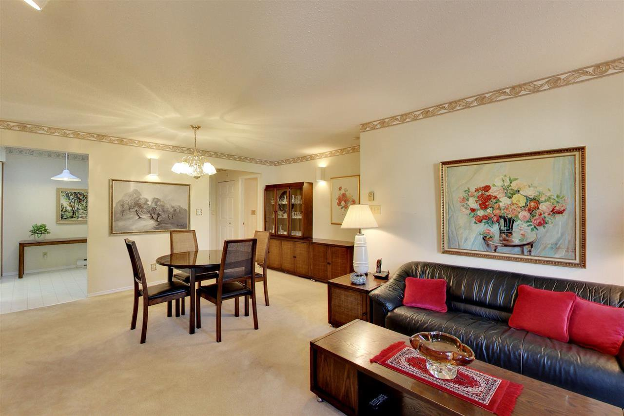 "Main Photo: 306 1447 BEST Street: White Rock Condo for sale in ""MONTICELLO PLACE"" (South Surrey White Rock)  : MLS®# R2401122"