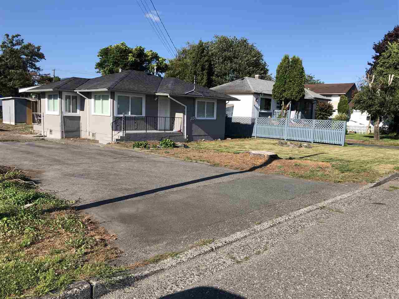 Main Photo: 46053 FIFTH Avenue in Chilliwack: Chilliwack E Young-Yale House for sale : MLS®# R2412296