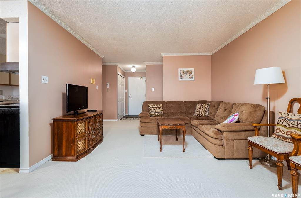 Photo 2: Photos: 209 126 Edinburgh Place in Saskatoon: East College Park Residential for sale : MLS®# SK802967