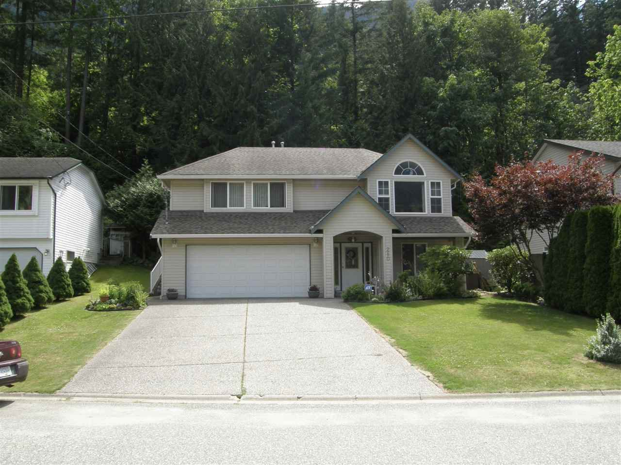 Main Photo: 280 FORREST Crescent in Hope: Hope Center House for sale : MLS®# R2460674
