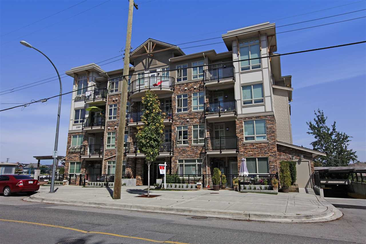 Main Photo: 403 20861 83 AVENUE in : Willoughby Heights Condo for sale : MLS®# R2096166