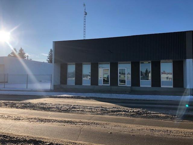 Main Photo: 5121 52 Avenue: Vegreville Industrial for sale : MLS®# C4305480