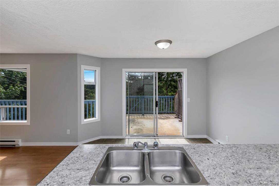Photo 10: Photos: 2067 Arleigh Pl in Sooke: Sk Saseenos Half Duplex for sale : MLS®# 842251