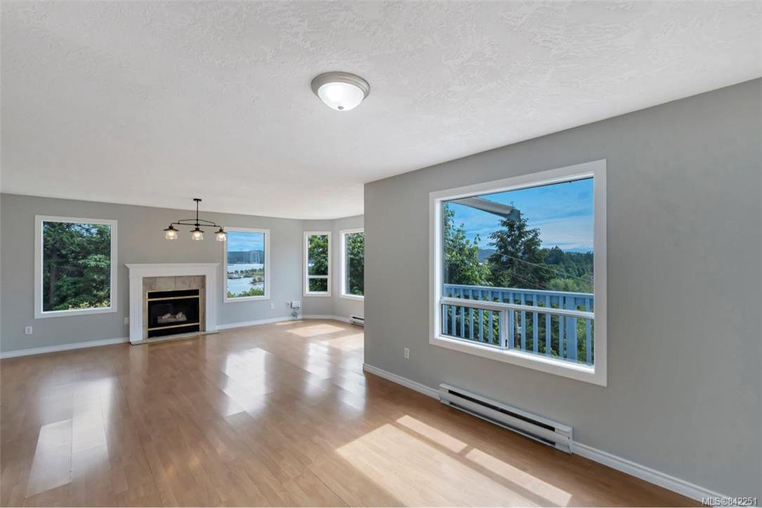 Photo 5: Photos: 2067 Arleigh Pl in Sooke: Sk Saseenos Half Duplex for sale : MLS®# 842251