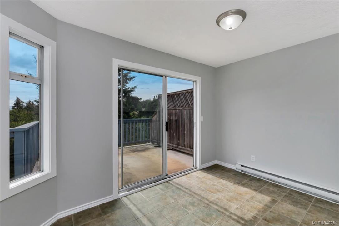 Photo 11: Photos: 2067 Arleigh Pl in Sooke: Sk Saseenos Half Duplex for sale : MLS®# 842251