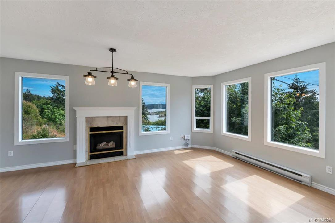 Photo 3: Photos: 2067 Arleigh Pl in Sooke: Sk Saseenos Half Duplex for sale : MLS®# 842251
