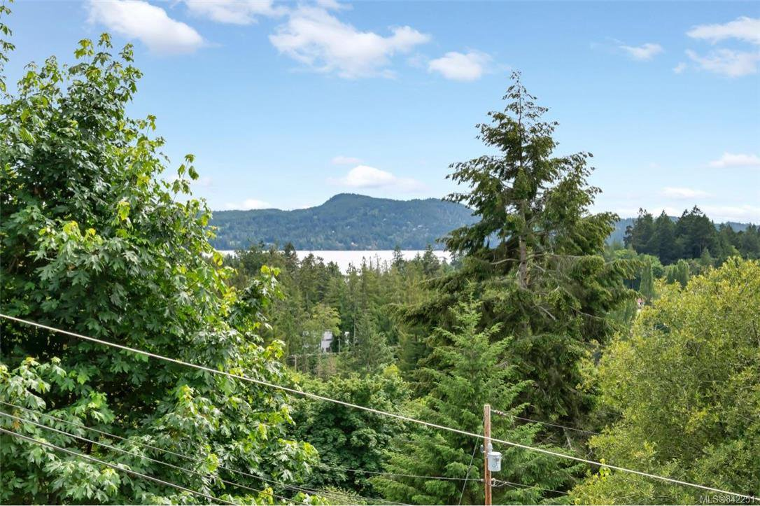 Photo 13: Photos: 2067 Arleigh Pl in Sooke: Sk Saseenos Half Duplex for sale : MLS®# 842251