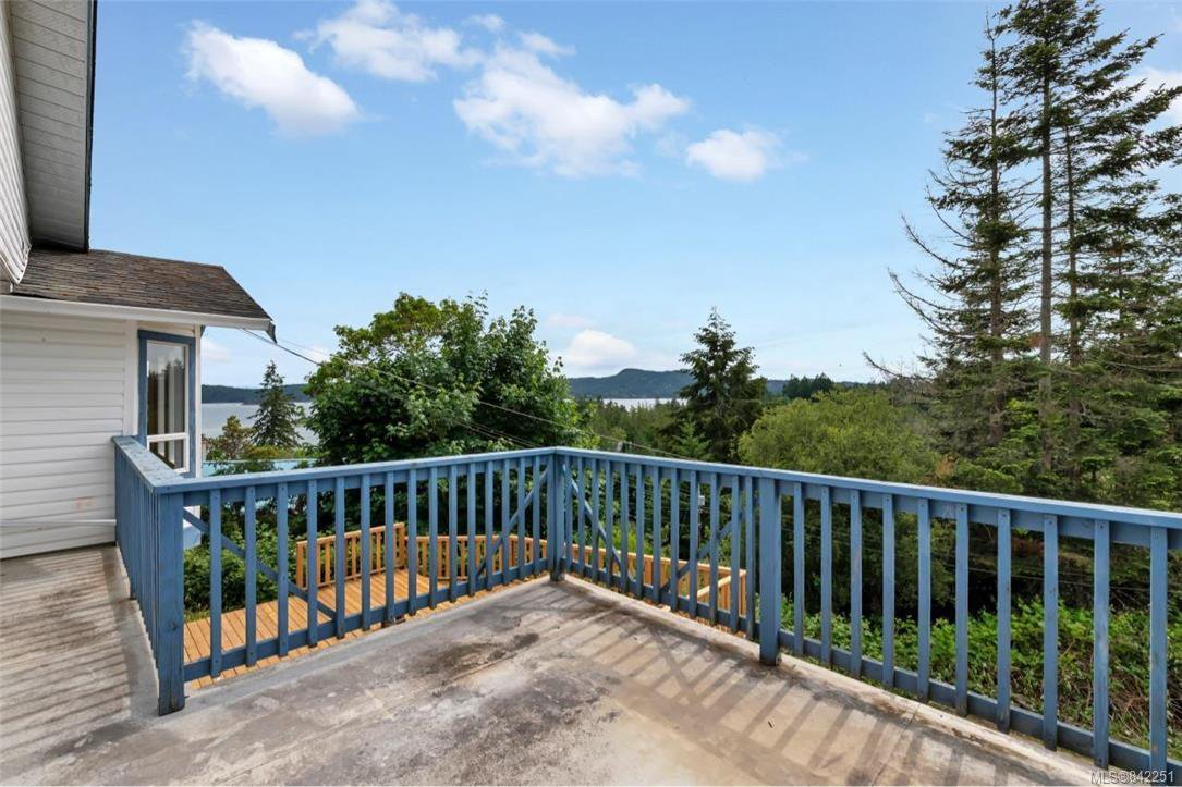 Photo 12: Photos: 2067 Arleigh Pl in Sooke: Sk Saseenos Half Duplex for sale : MLS®# 842251
