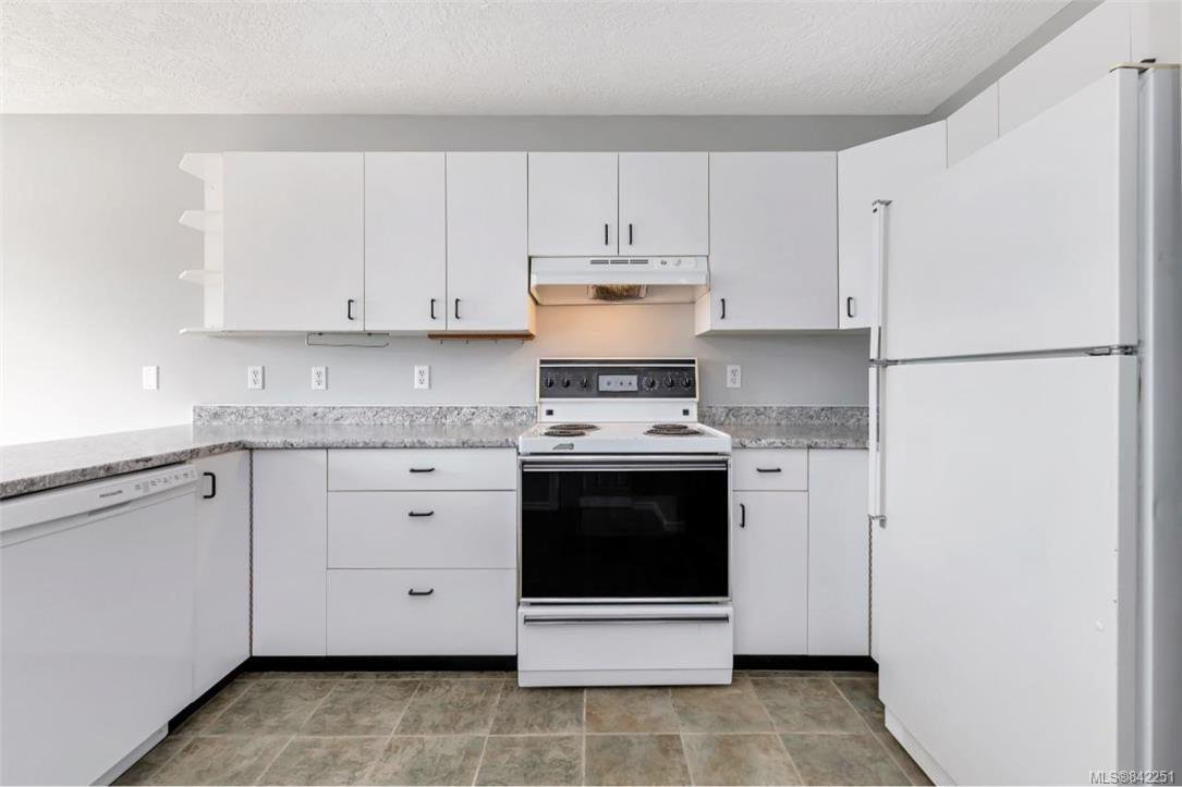 Photo 7: Photos: 2067 Arleigh Pl in Sooke: Sk Saseenos Half Duplex for sale : MLS®# 842251