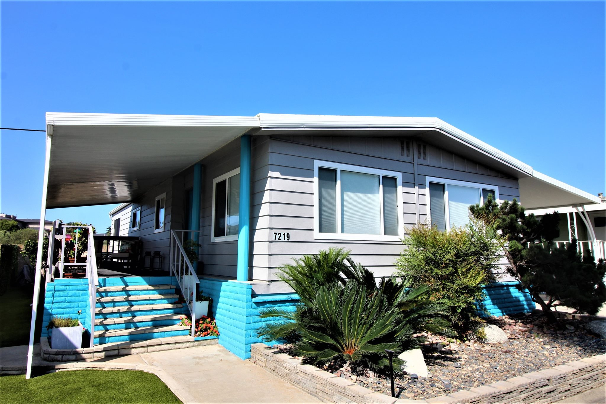 Main Photo: CARLSBAD WEST Mobile Home for sale : 2 bedrooms : 7219 San Luis St. #174 in Carlsbad