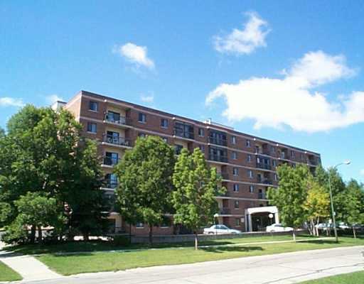 Main Photo: 305 640 MATHIAS Avenue in WINNIPEG: West Kildonan / Garden City Condominium for sale (North West Winnipeg)  : MLS®# 2411624