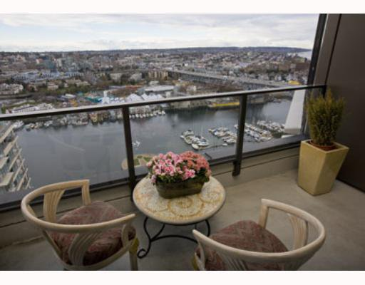 "Main Photo: 3501 455 BEACH Crescent in Vancouver: False Creek North Condo for sale in ""PARKWEST 1"" (Vancouver West)  : MLS®# V694954"