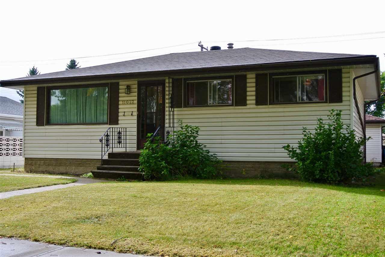 Main Photo: 11022 153 Street in Edmonton: Zone 21 House for sale : MLS®# E4175191