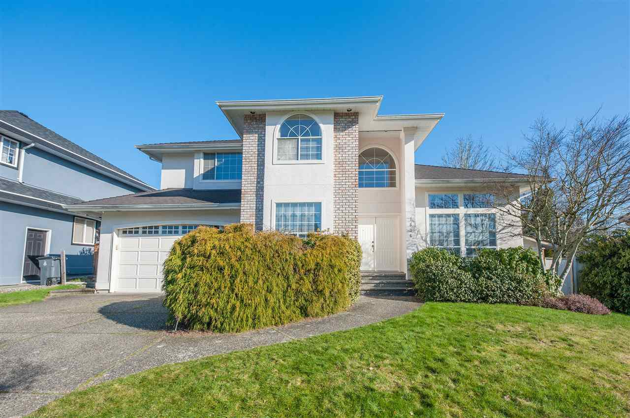 Main Photo: 7836 156A Street in Surrey: Fleetwood Tynehead House for sale : MLS®# R2437169