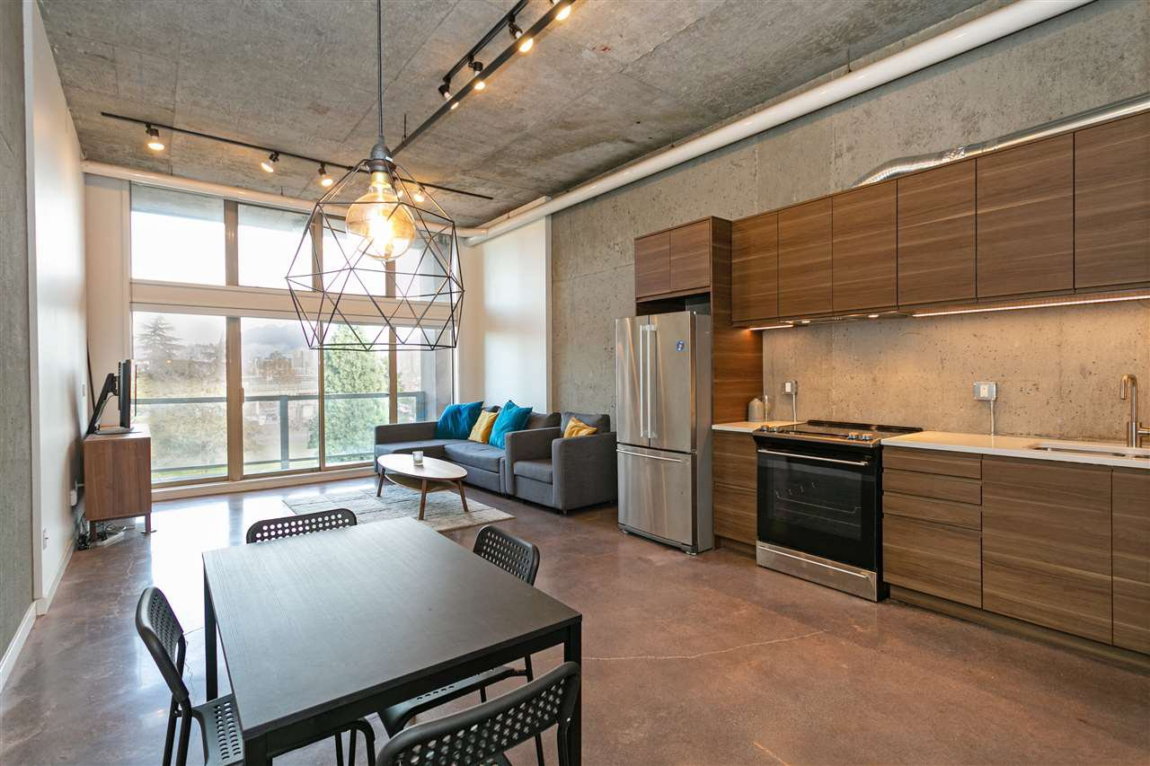 "Main Photo: 307 1529 W 6TH Avenue in Vancouver: False Creek Condo for sale in ""WSIX/SOUTH GRANVILLE LOFTS"" (Vancouver West)  : MLS®# R2464010"