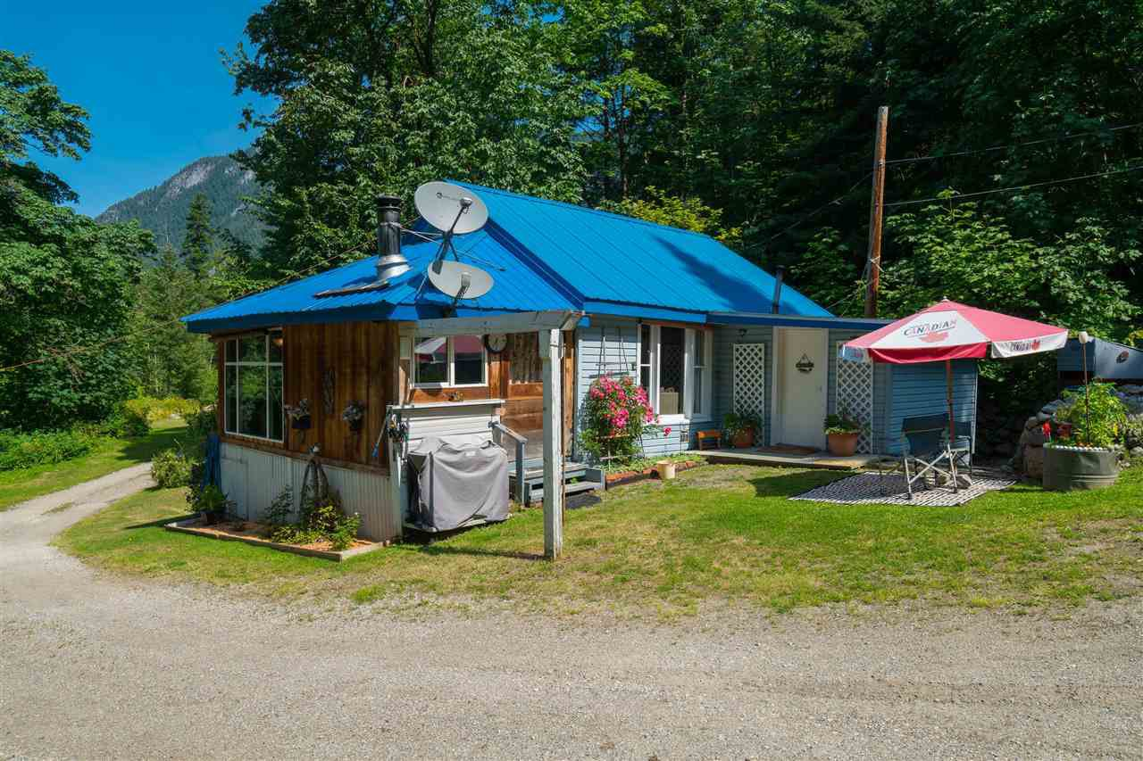 Main Photo: 41205 TRANS CANADA Highway in Yale: Yale - Dogwood Valley House for sale (Hope)  : MLS®# R2473815